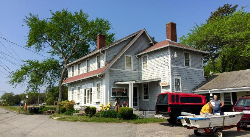 More About Herring Run Motel