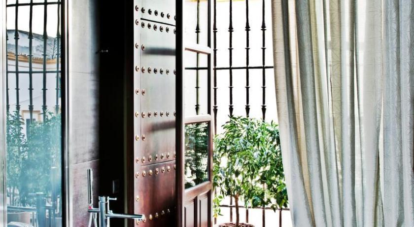 hoteles con encanto en sevilla  228
