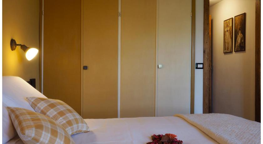 Double Room with Terrace - Bed Locanda Il Rustichello