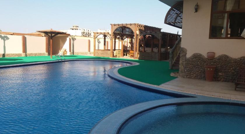 مسبح Apartments at Al Ahyaa Area