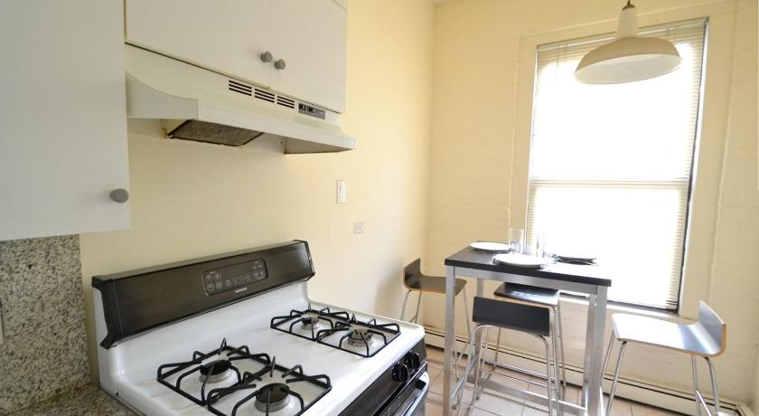 Two-Bedroom Apartment Stay Smart NYC 152 East 21st Street