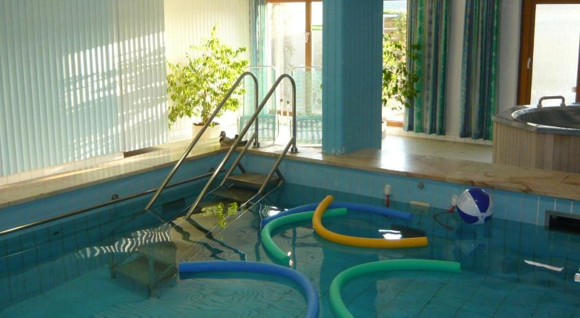 Swimming pool Aparthotel Hochwald