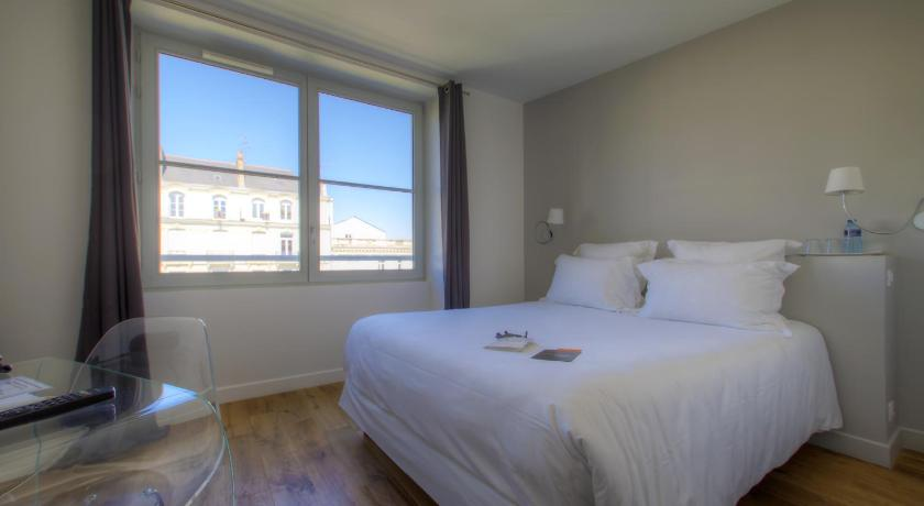 Standard Double Room - Guestroom 21, Foch - Les Collectionneurs