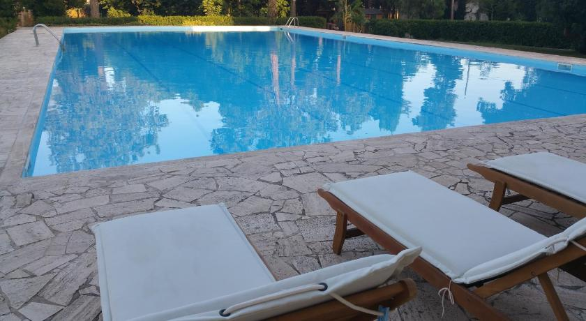 Swimmingpool KOLOR B&B
