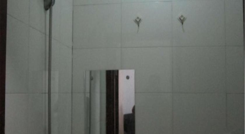 Double Room - Bathroom Dalian Dafu Hotel