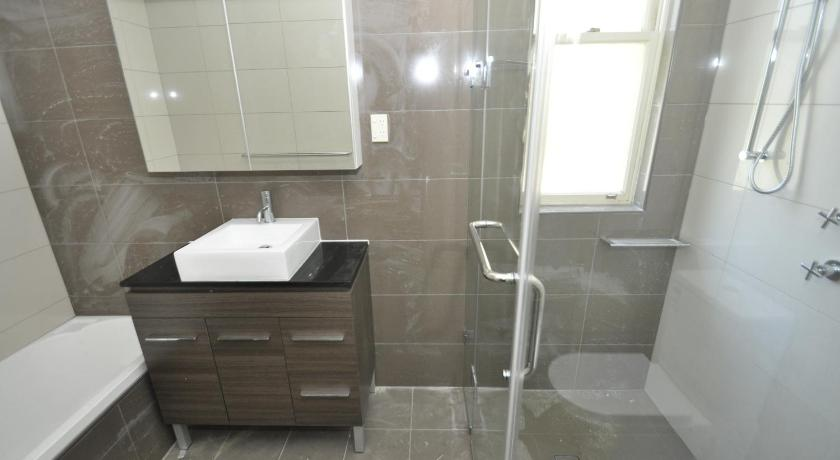 Bathroom Randwick Self-Contained Two-Bedroom Apartment (330HG)