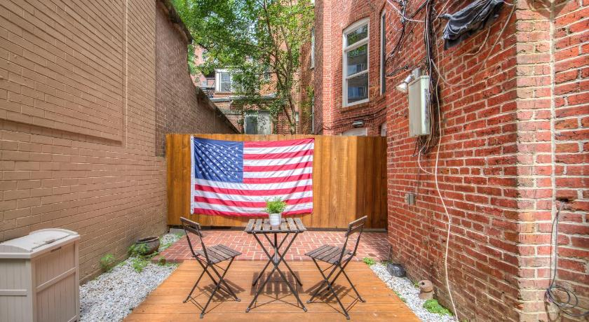 Balkons/terase Five Beds & Patio in Center of DC