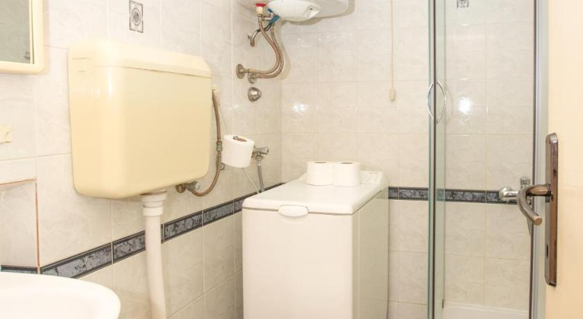 Bathroom Apartments Suzana