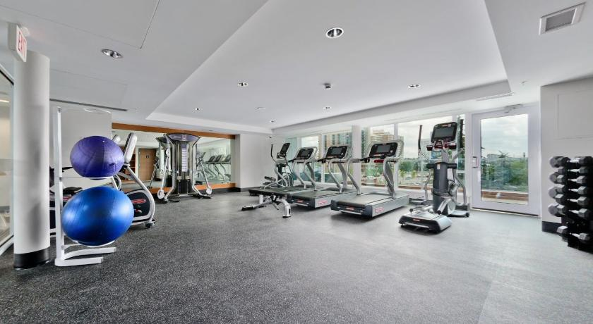 gym Ostays Condos - Pulse at Evolution