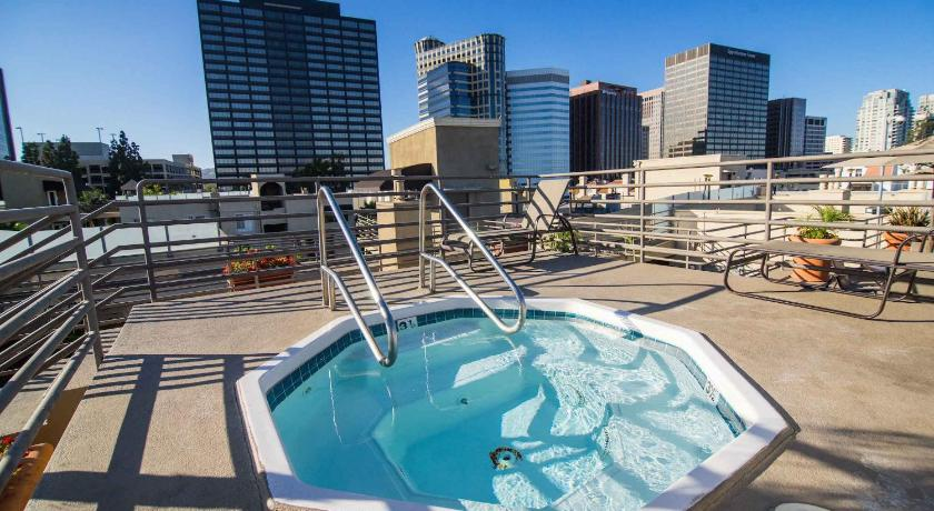 Apartment with Balcony - Hot tub Wellworth Apartments