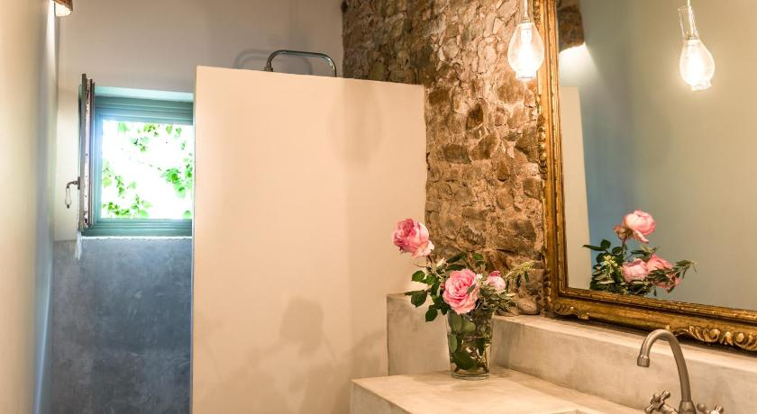 boutique hotels in catalonia  215