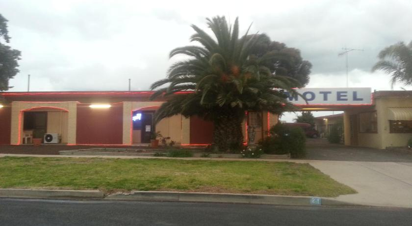See all 13 photos Nhill Oasis Motel