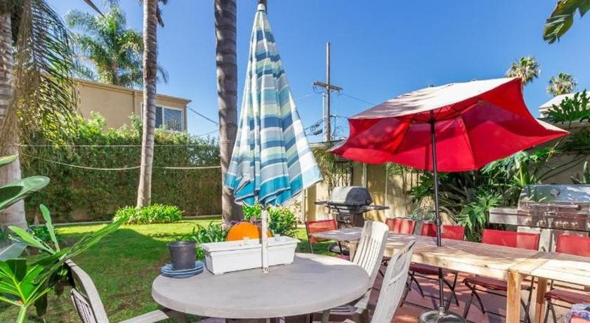 One-Bedroom Apartment - Balcony/terrace One-Bedroom on La Jolla Boulevard I