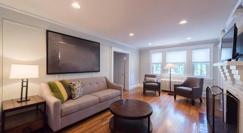 Three-Bedroom on Summit Avenue Apt 1