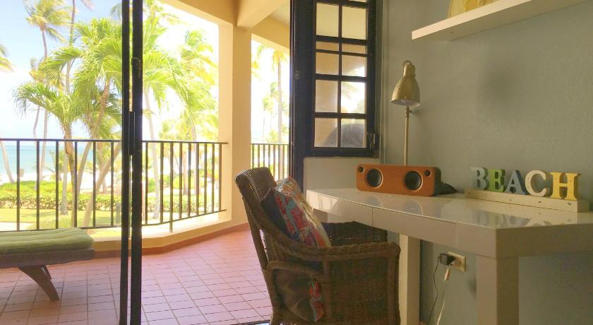 Apartment with Sea View - View Beachfront 2 Bedroom, 2 bathroom - Palmas Del Mar