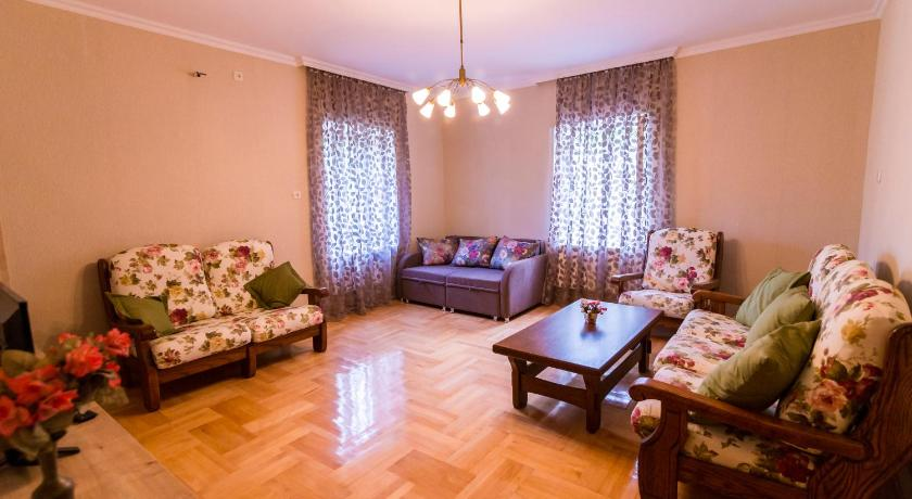 Apartment with Balcony - Facilities Welcome in Tbilisi Apartment
