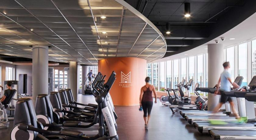 Fitness center Global Luxury Suites at Block 37