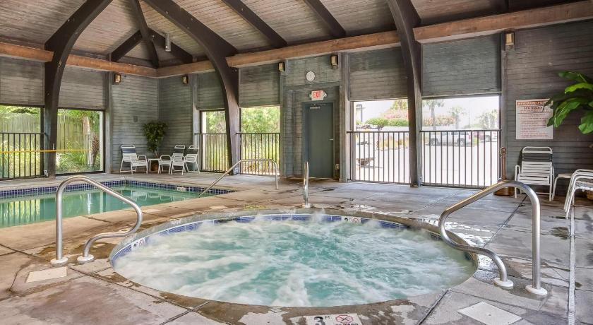 Piscina Windward Pointe 102