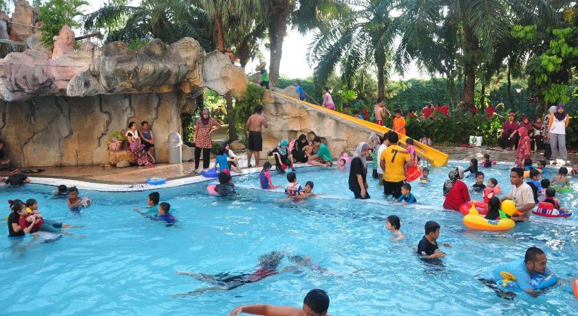 Swimming Pool Apartment At Glory Beach Resort