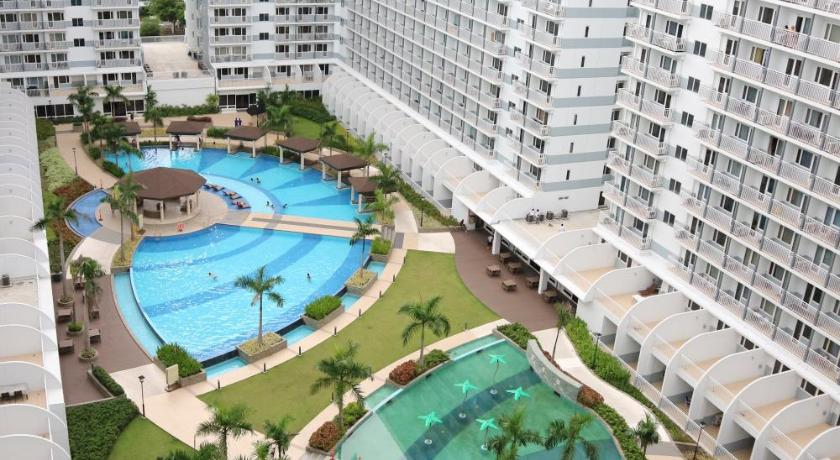 Swimming pool Condodeal at Shell Residences Mall of Asia