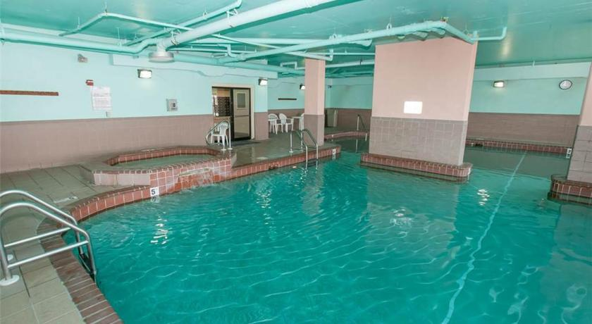 Swimming pool Phoenix VII - Three Bedroom Condo Unit 803