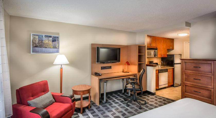 Zimmer TownePlace Suites Baltimore BWI Airport