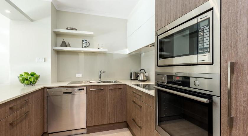 Sydney CBD Fully Self Contained Modern 1 Bed Apartment (112MKT)
