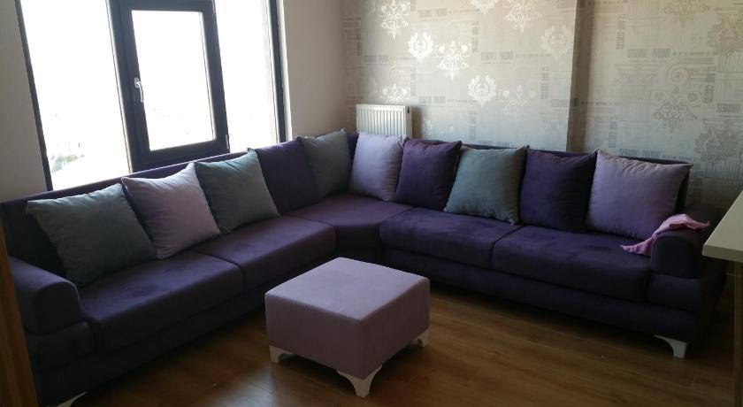 One-Bedroom Apartment - Separate living room Halic Panorama
