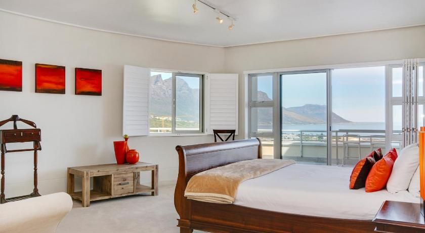 Guestroom Penthouse on Clifton