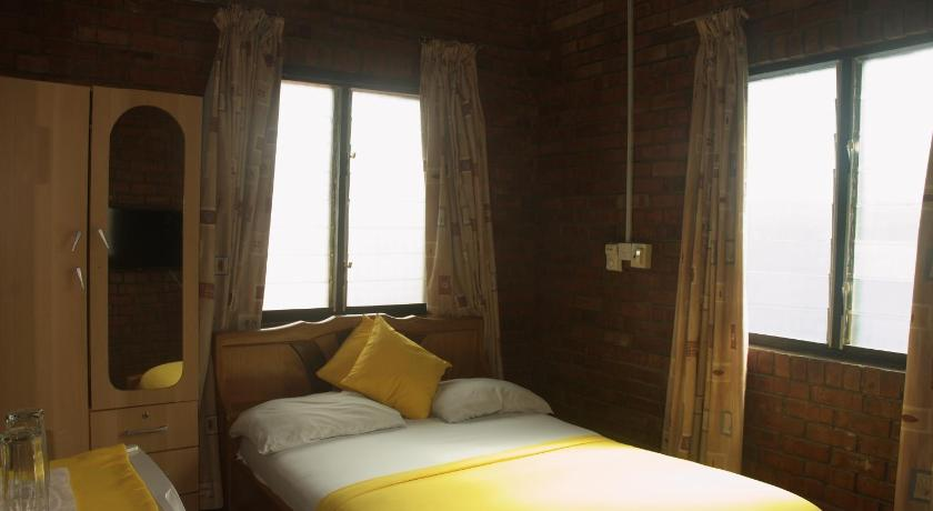 Double Room with Private Bathroom - Bed Joy Family Lodge