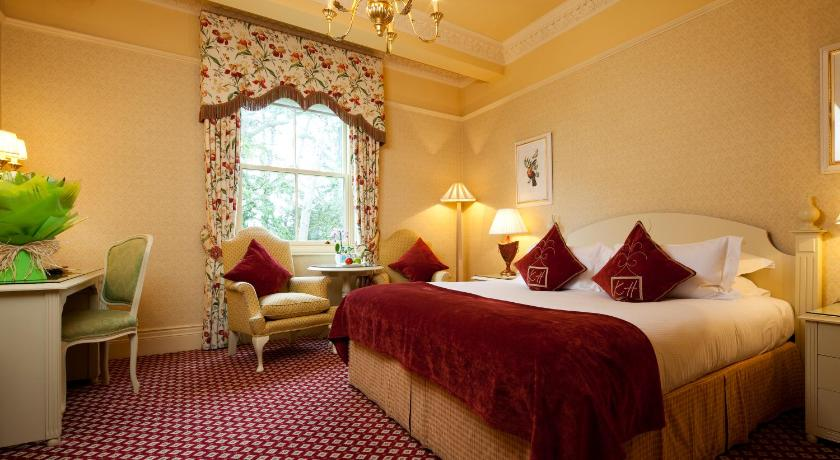 Garden Room - Guestroom Kilworth House Hotel and Theatre
