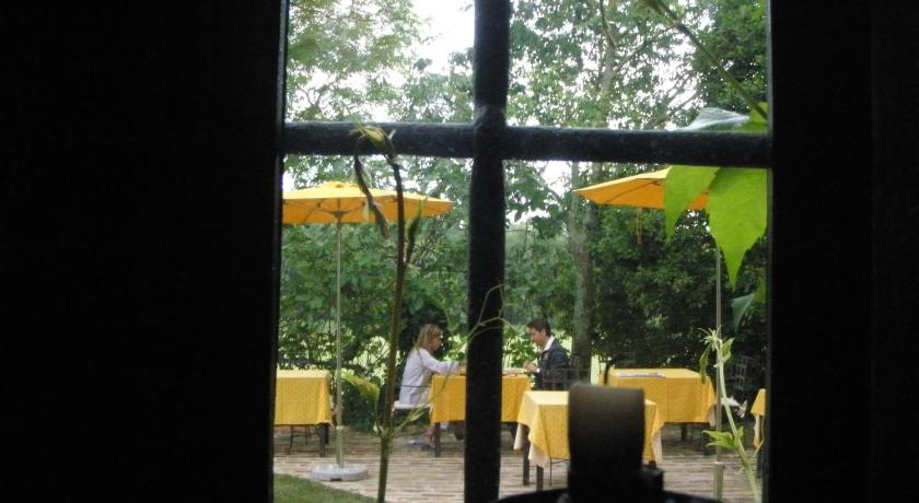 hoteles con encanto en cassà de la selva  19