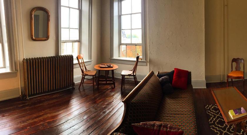 Bellefonte Apartment