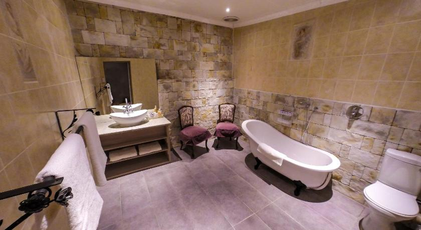Baño Lavender Hill Country Estate and Wedding Venue