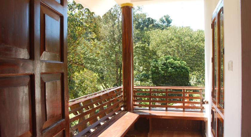 Balcony/terrace Woods View Inn