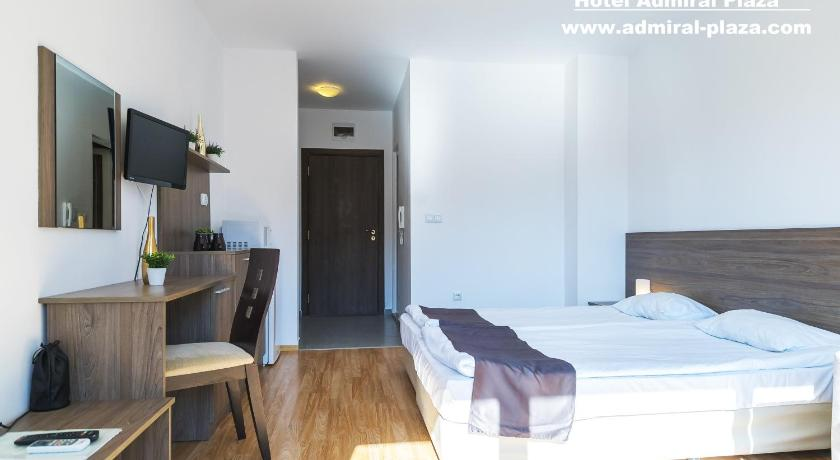 Twin Room with Balcony - Guestroom Admiral Plaza Hotel