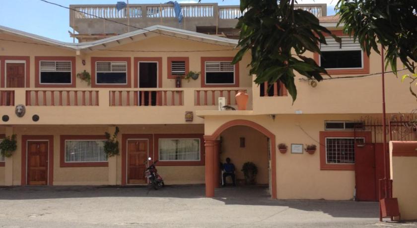 Whispers Hotel 49 Gretna Green Avenue Kingston