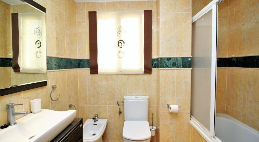 Bathroom Acintur 7-B
