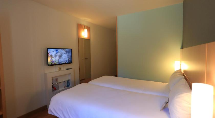 Standard Room with 1 double bed - Facilities ibis Aurillac