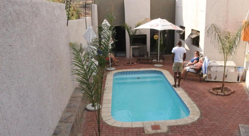 Piscina Discovery Guest House