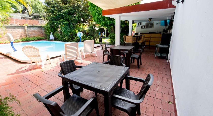 حمام السباحة Suites & Apartments San Benito - Zona Rosa