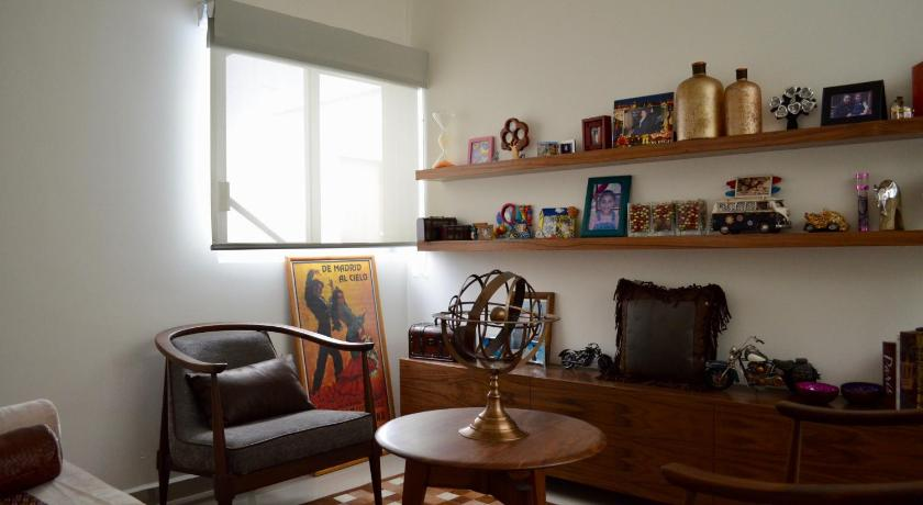 More about Room in Shared PH Acacias - Coyoacan