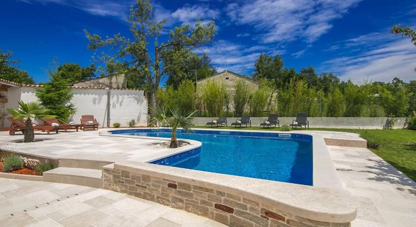 Swimming pool Villa Rosanda