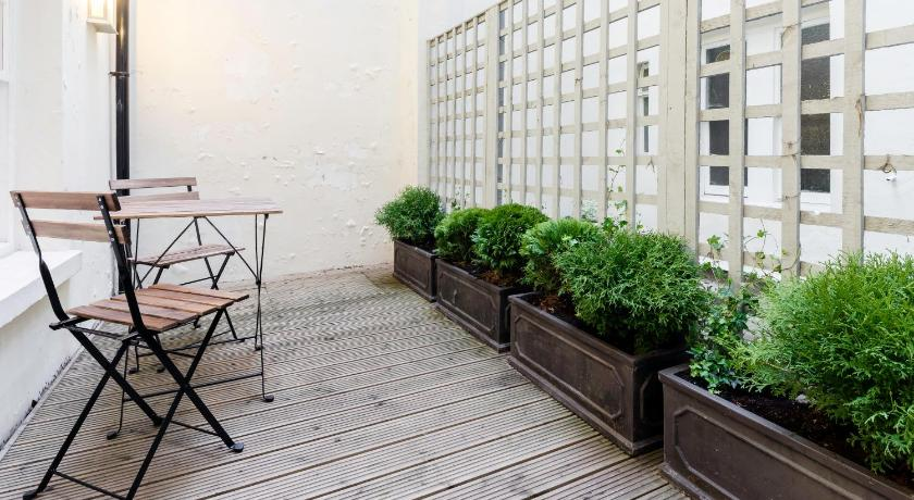 Balcony/terrace Quintessential Notting Hill Apartment