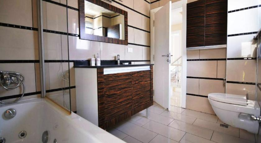 Two-Bedroom Apartment - Bathroom Belek Golf Village