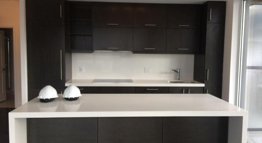 Downtown Condo near Bloor Street