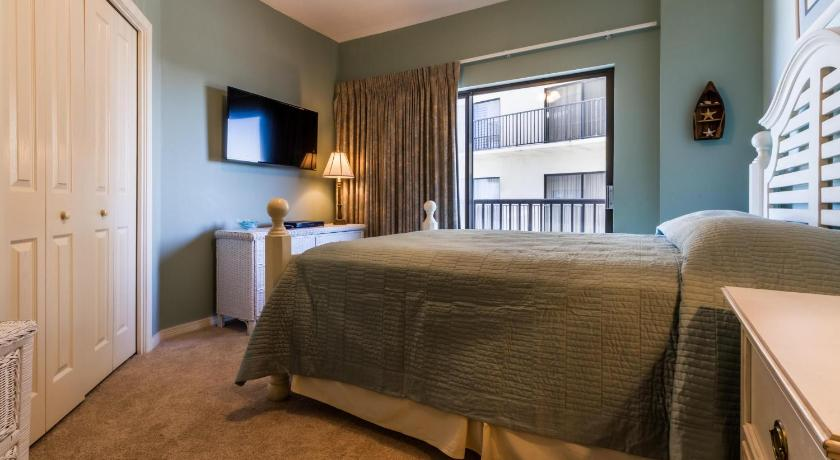 Three-Bedroom Apartment - Guestroom The Palms 604