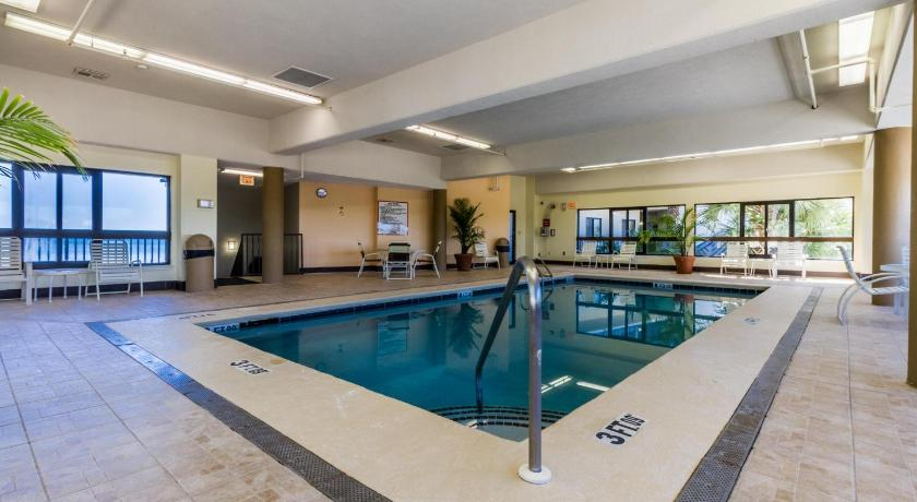 Swimming pool The Palms 604