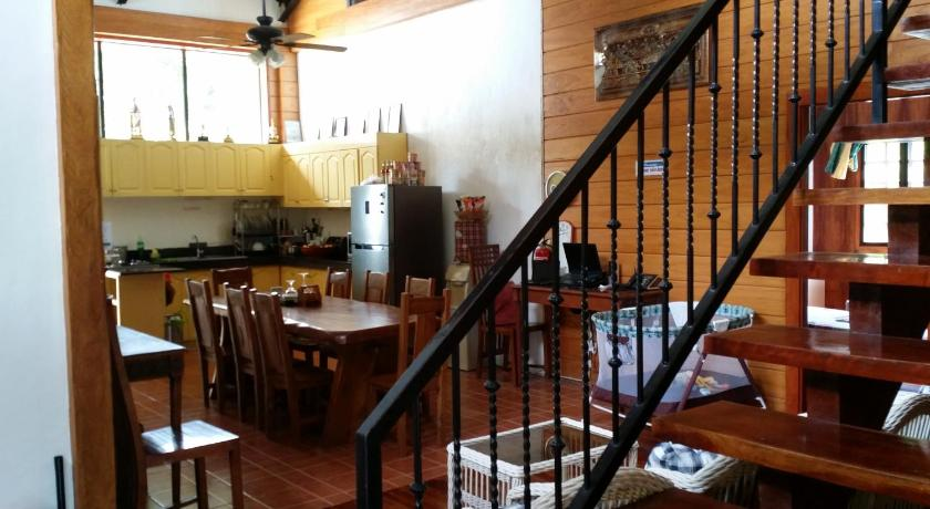 More about Villa del Carmen Bed and Breakfast