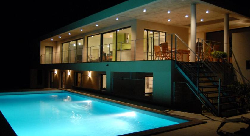 Swimmingpool Villa Fleurie